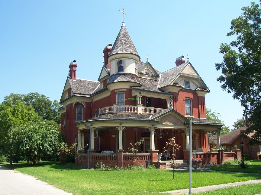 Victorian style home for Old victorian house plans