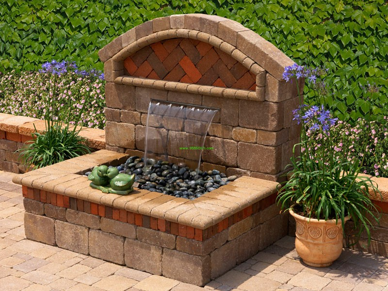 Outdoor water features for Backyard water feature