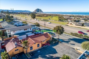 02 2 300x199 Morro Bay Restaurant For Sale